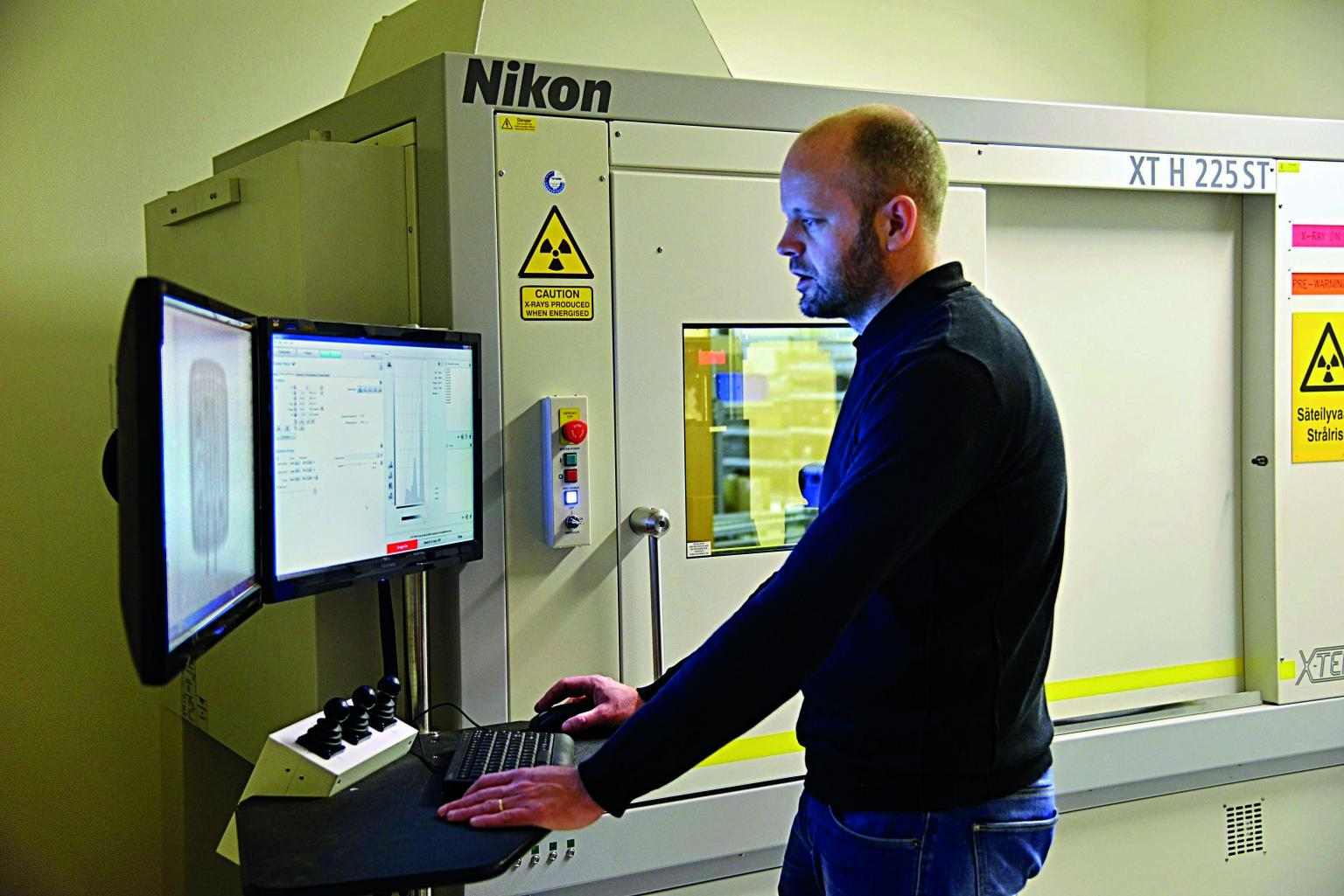 Test Engineer Carl-Anton Manns operating the Nikon Metrology XT H 225 ST CT system at Nordic Lights