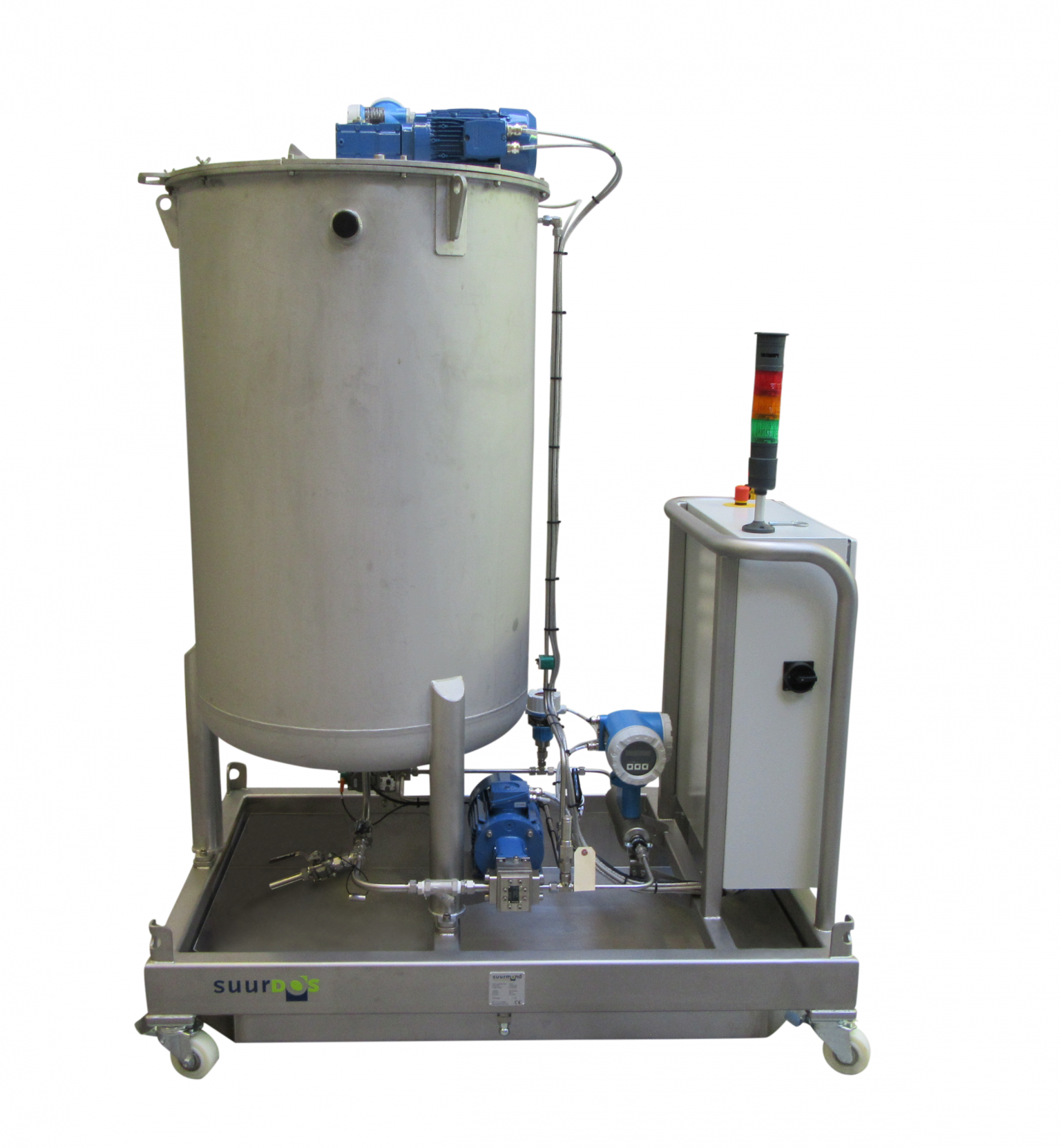 The dosing solution was built as a mobile unit that incorporates pump, motor, buffer tank and controller