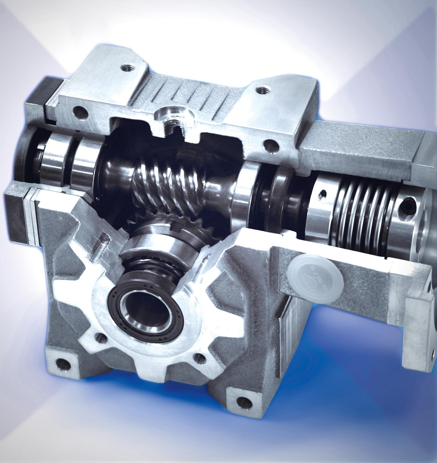 Space saving servo gearheads with reduced backlash to less than 1 arcminute