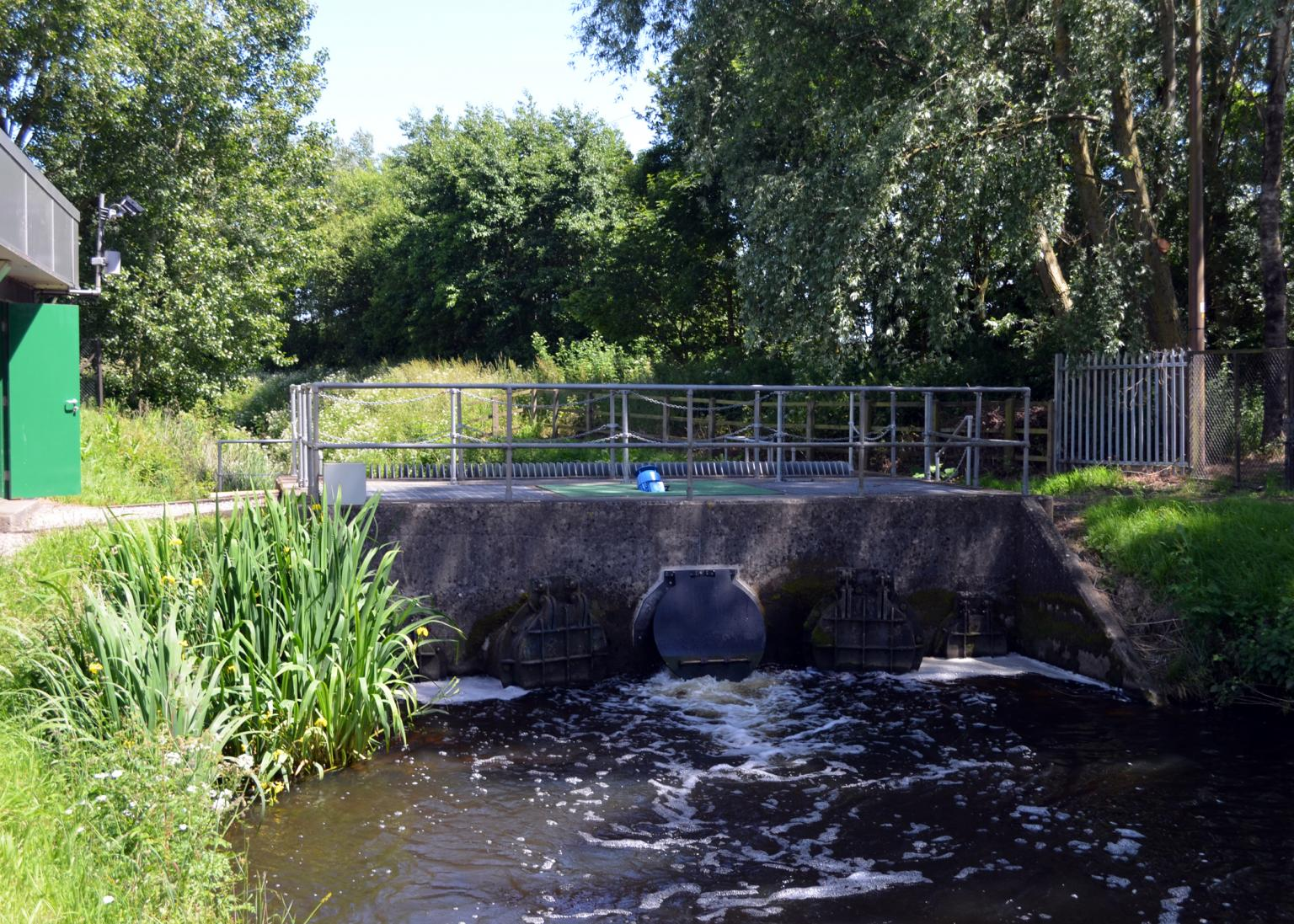 NRW commissioned ECS to install a new, more efficient, fully compact, Archimedes screw pump at a site near Newport, Gwent