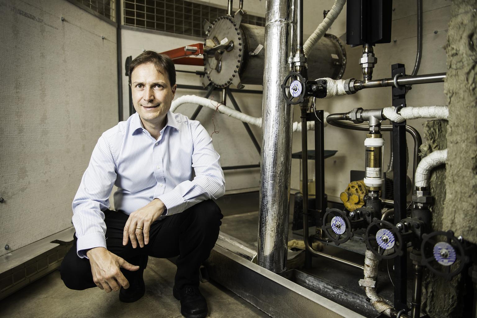 Professor Frank Bruno from University of South Australia, specialist equipment