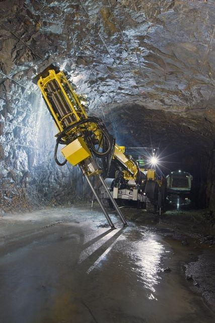 Atlas Copco's latest Simba, the E7 C, is available for both tophammer and downhole (ITH) capabilities