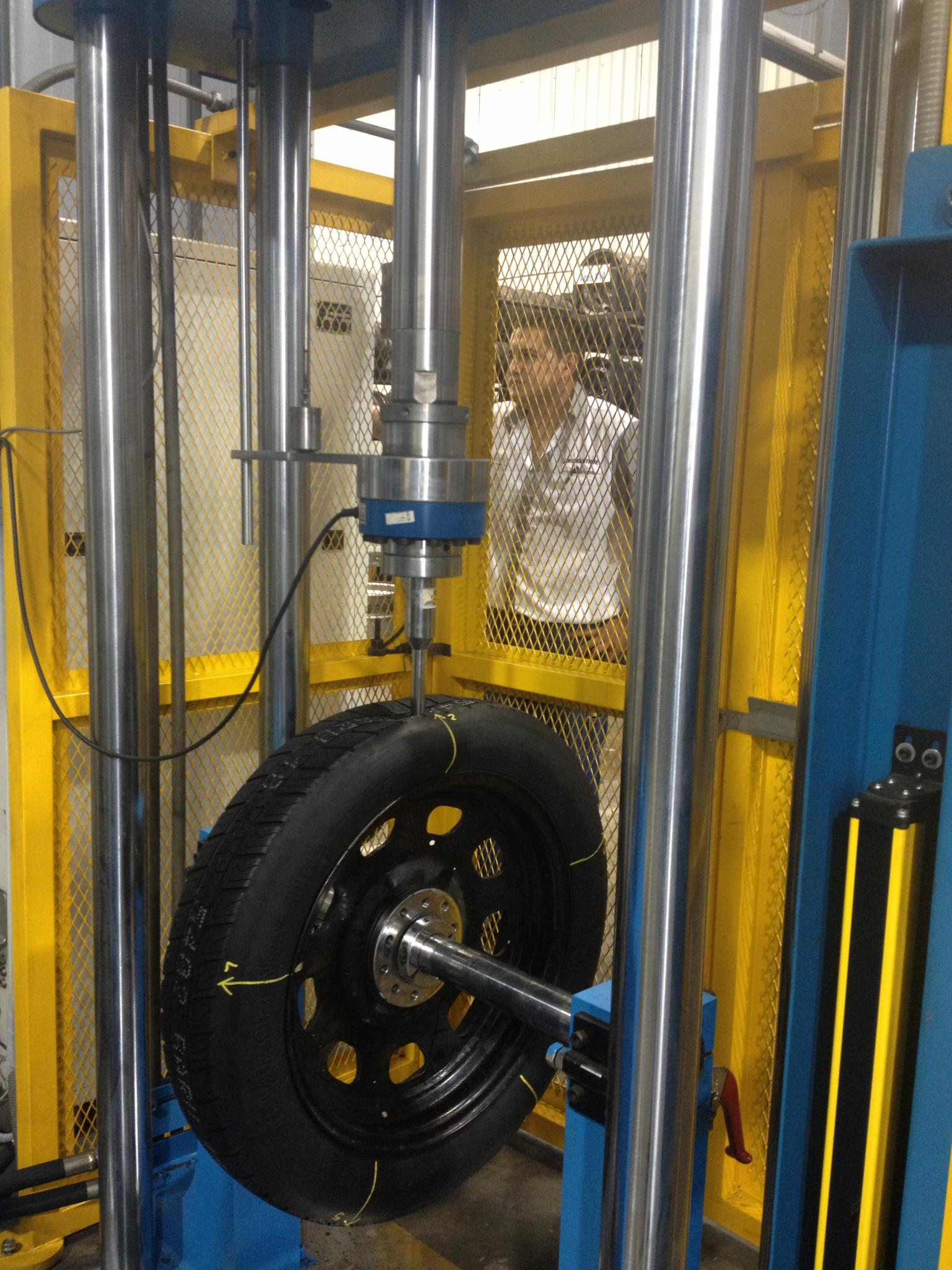 A project team at Bridgestone's Costa Rica plant used Minitab Statistical Software to increase capacity and certify new tyres more efficiently