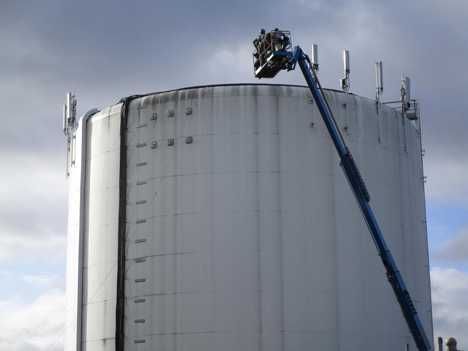 Expansion is eased by using tanks in the wastewater industry