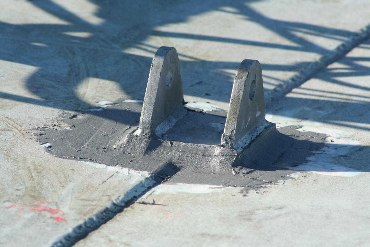 Mountingbrackets bonded in place using Belzona 1111