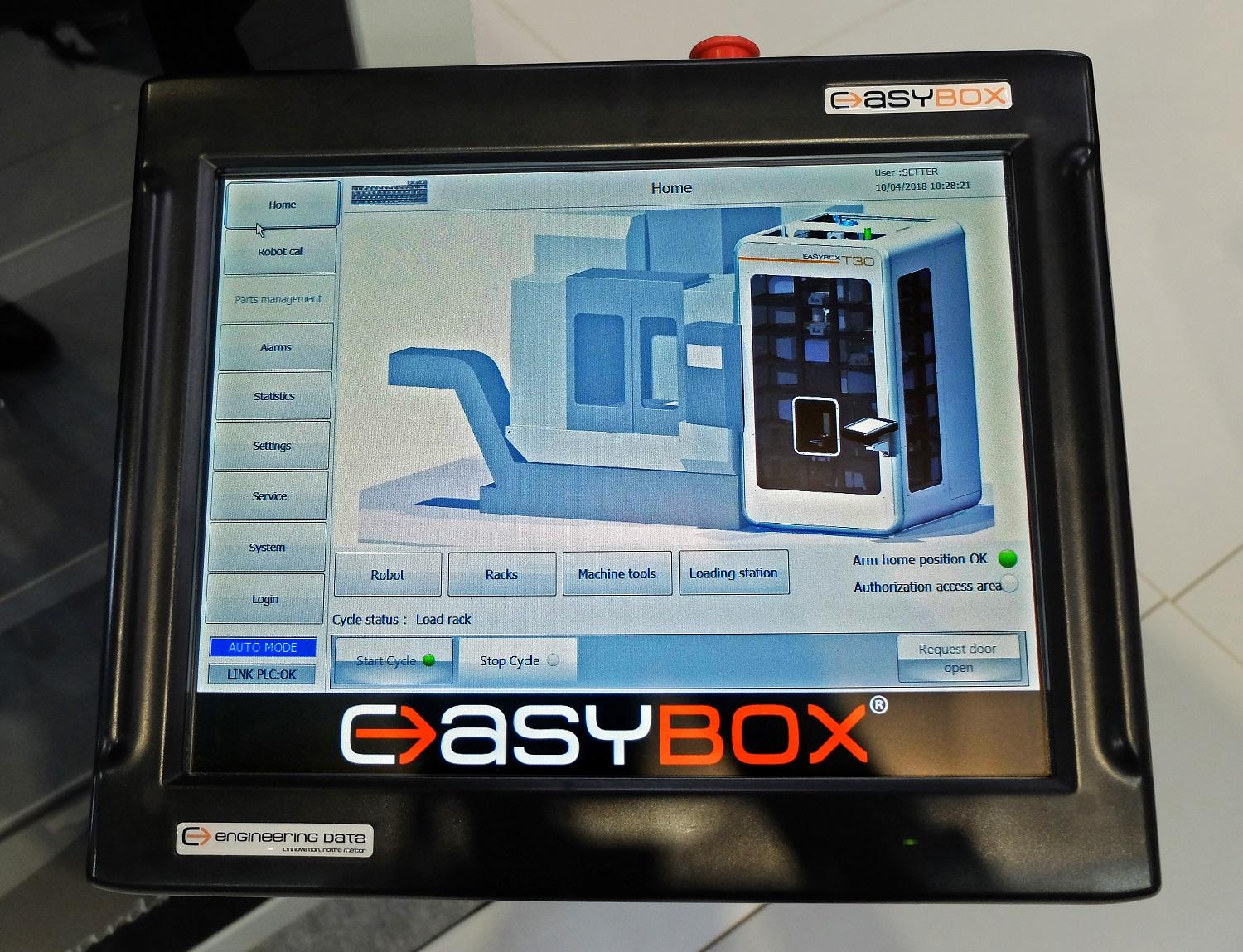 The touchscreen panel for operating the robot is easily interfaced with all major types of machine tool control