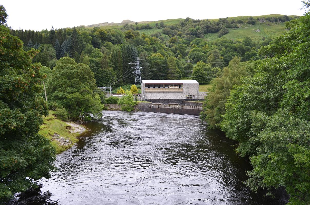 The Breadalbane Hydro-Electric Scheme is located in the mountainous region in highland Perthshire and utilizes the water stored behind 6 dams. Over 20 tunnels and aqueducts carry water to seven power stations, of which Lochay Power Station is the largest