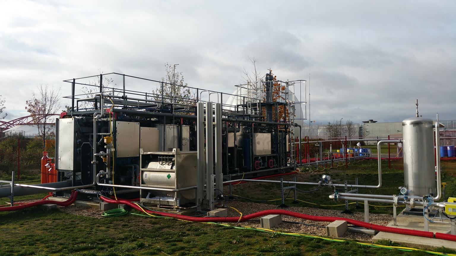 The demonstrator has successfully performed cryogenic CO2 capture, biomethane liquefaction, and nitrogen and oxygen separation
