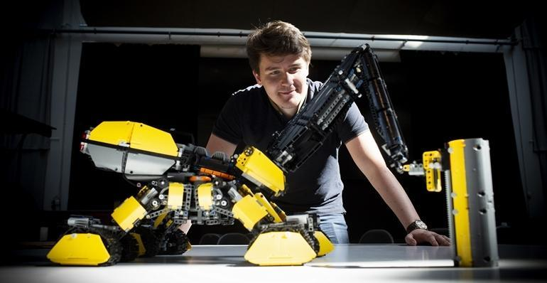 The autonomous Volvo Rottweiler, by Vida András, is fitted with a pneumatic drill, a dozer and a 3D printer
