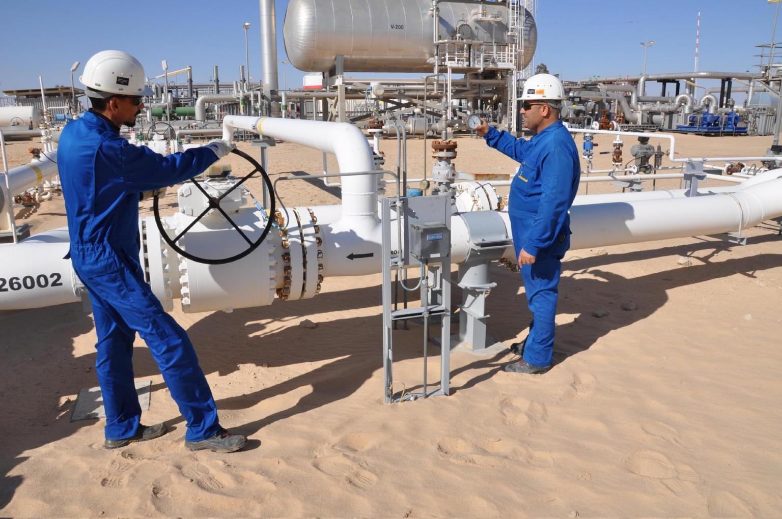 Wintershall employees conducting a routine inspection at the Nakhla site (C97). Source: Wintershall