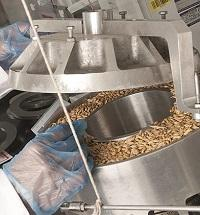 Fig. 1 Shear testing of bulk materials