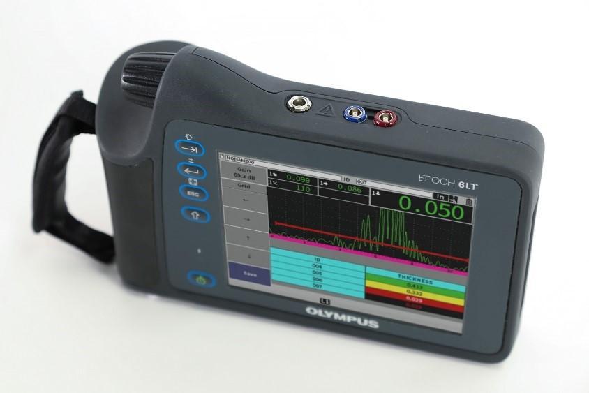 Figure 1. The lightweight, portable Epoch 6LT ultrasonic flaw detector.
