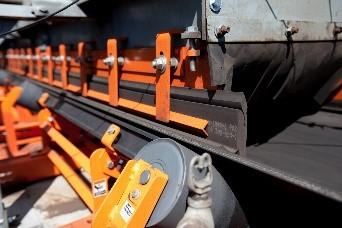 Belt support and sealing components make conveyor  operations cleaner, safer and more productive.
