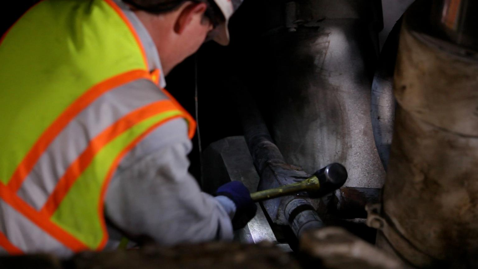 Workers often resort to dangerous practices to free corroded and deformed couplings