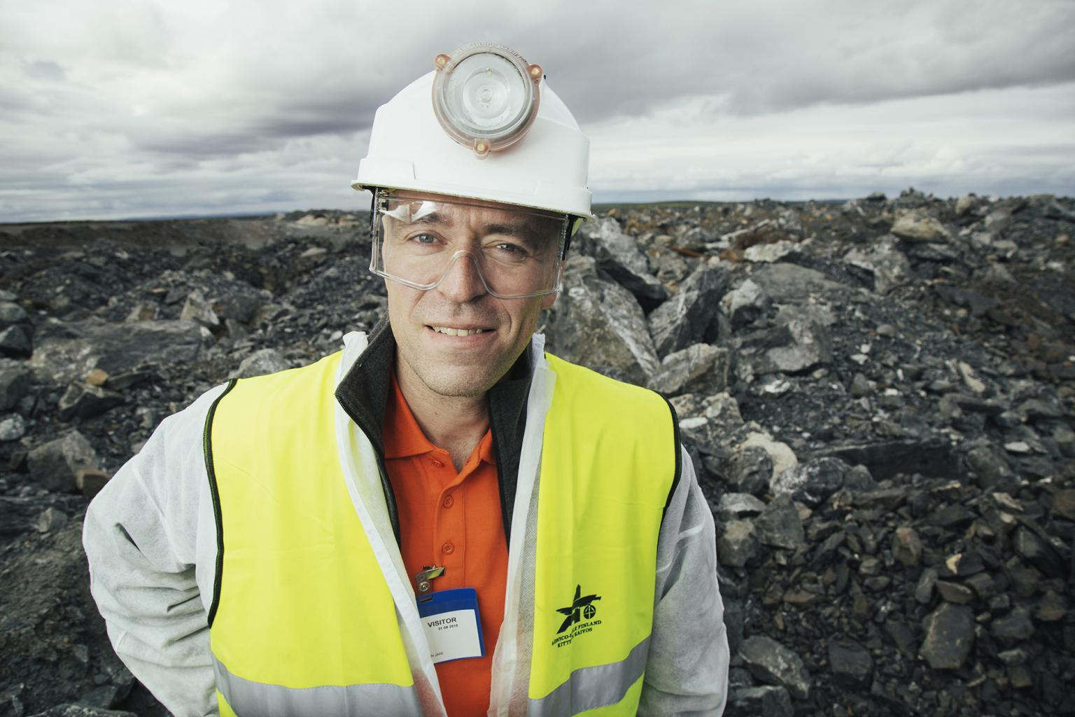 TRB-Raise Borers CEO Jarko Salo says that operator commitment is of particular importance in slot hole boring, where drill tailings are flushed down on the rig and need to be properly managed to prevent the muck from damaging vulnerable components