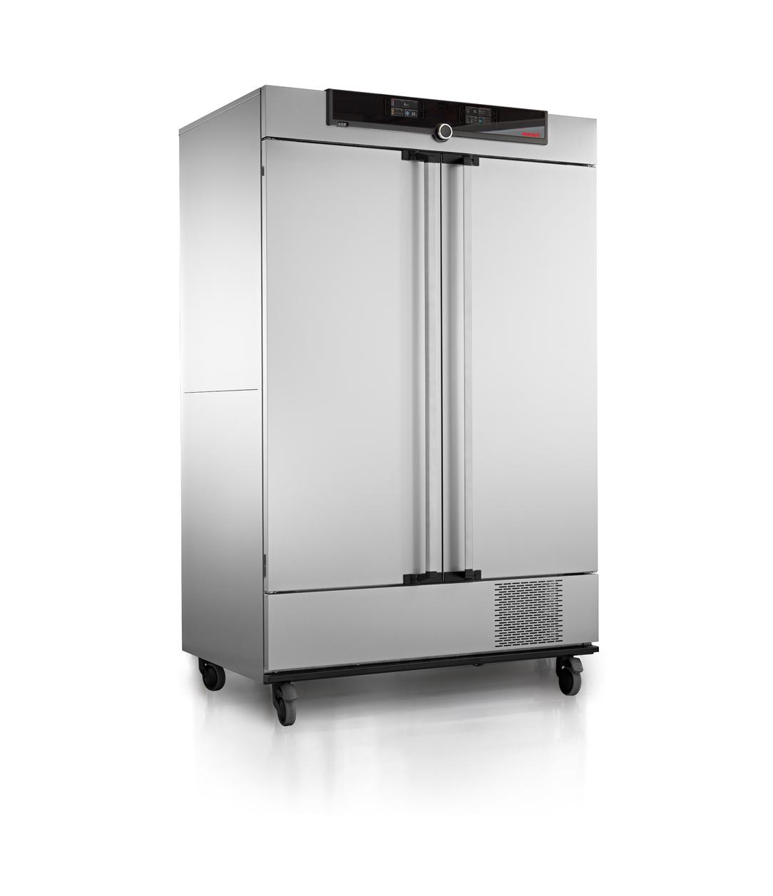 Memmert sought a latching solution that would allow the user to access the interior of the oven without having to use their hands to open the door