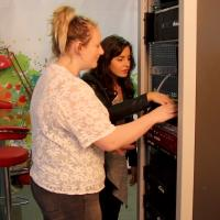 Encouraging young people to enter the engineering sector