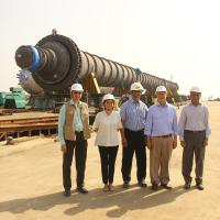 Giant reactor off to Nigerian oil refinery