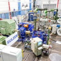 Minimising running costs for pumps in gas turbine power generation