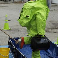 Portable GC/MS for chemical hazard identification